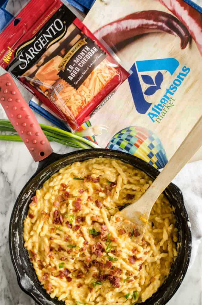 One-Skillet Bacon Mac and Cheese with Sargento Reserve Series 18-Month Aged Cheddar and an Albertsons Market bag - The Goldilocks Kitchen